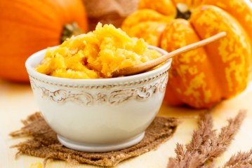 Smooth Your Skin with this DIY Pumpkin Face Mask