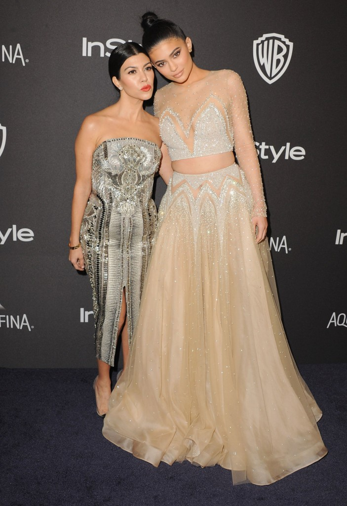 kylie and kourtney-golden globe-acadaextra