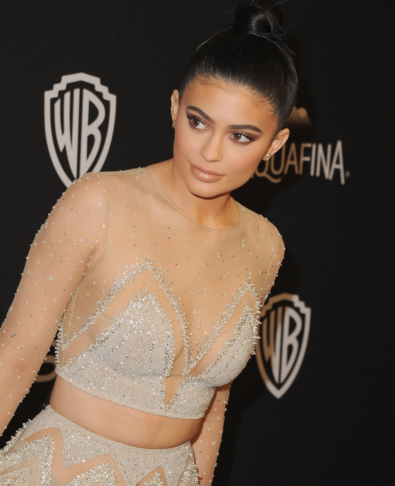 Kylie Jenner look to 2016 Golden Globes after party