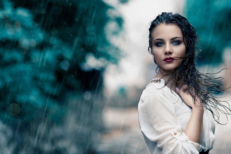 keep hair during rain