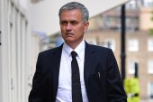 Jose Mourinho signs Manchester United contract