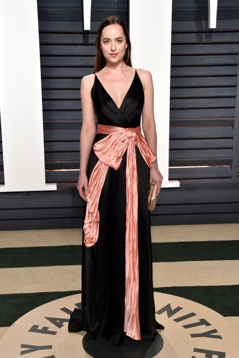 hbz-oscars-vf-dakota-johnson-acadaextra