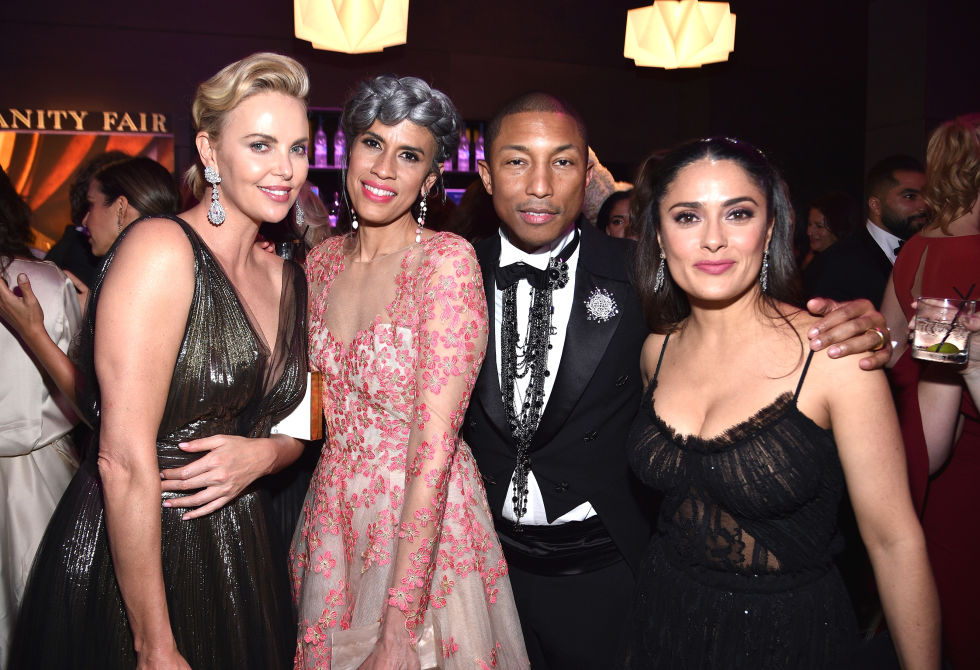 hbz-vf-oscars-charlize-theron-helen-lasichanh-pharrell-williams-salma-hayek-acadaextra