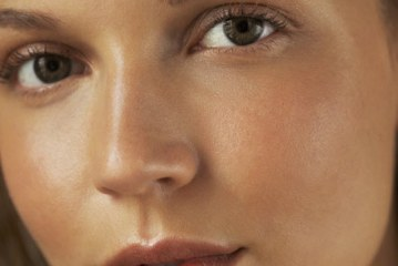 Does Oily Skin Really Age Better?