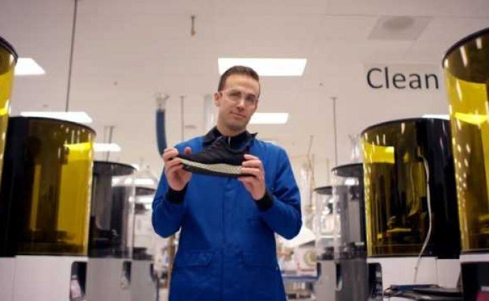 Adidas unveils new 3D printed shoe