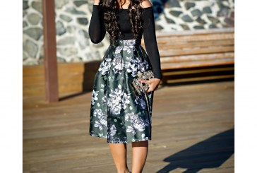 This Non-Pencil Skirts Are Perfect for Office Outfit
