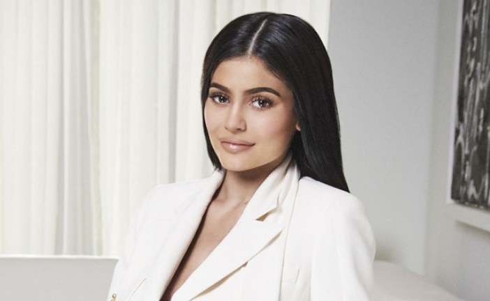 Kylie Jenner's Cosmetics Brand Is on Track to Become a $1 Billion Company