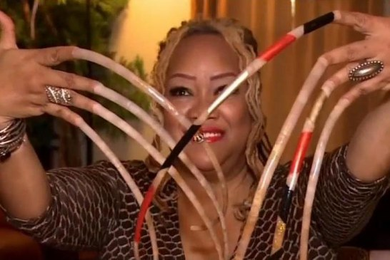 Meet The Woman With The Longest Nails in The World..
