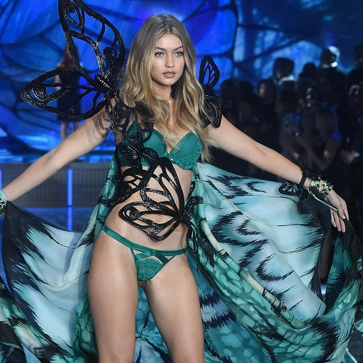 Gigi-Hadid-Victoria-Secret-Fashion-Show-acadaextra+