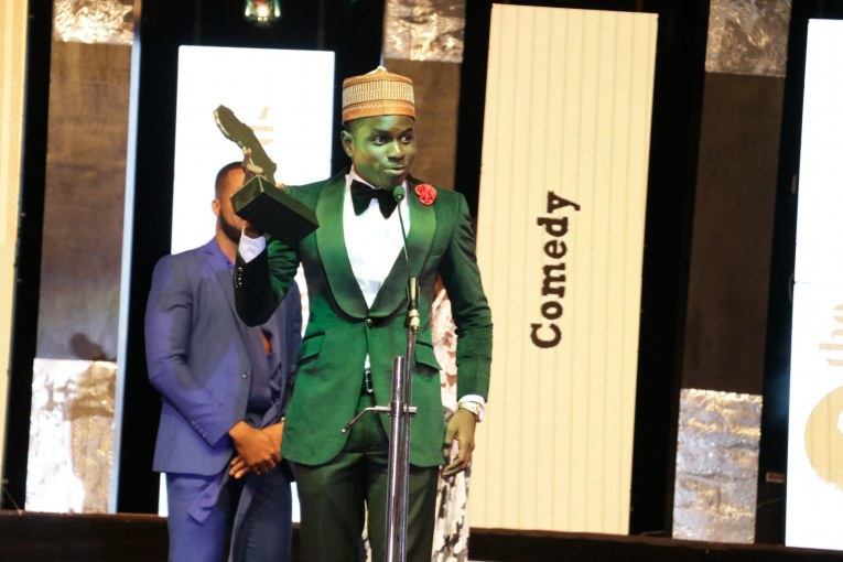 Kenny Blaq picking up The Future Awards Africa prize 2017 for Comedy