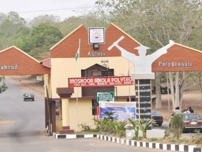 A Student faints, policeman sustains injury as MAPOLY students protest
