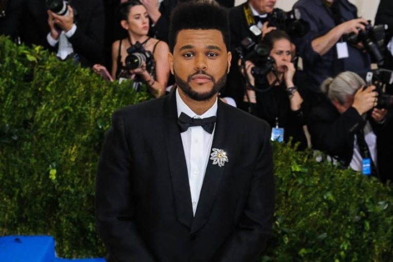 weeknd-cut-ties-with-H&M-acadaextra