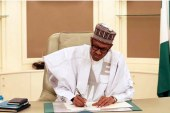 2019: Buhari tells APC govs to give him more time to decide