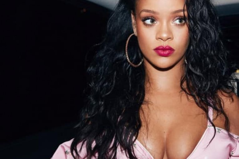 rihanna-celebrated-birthday-acadaextra