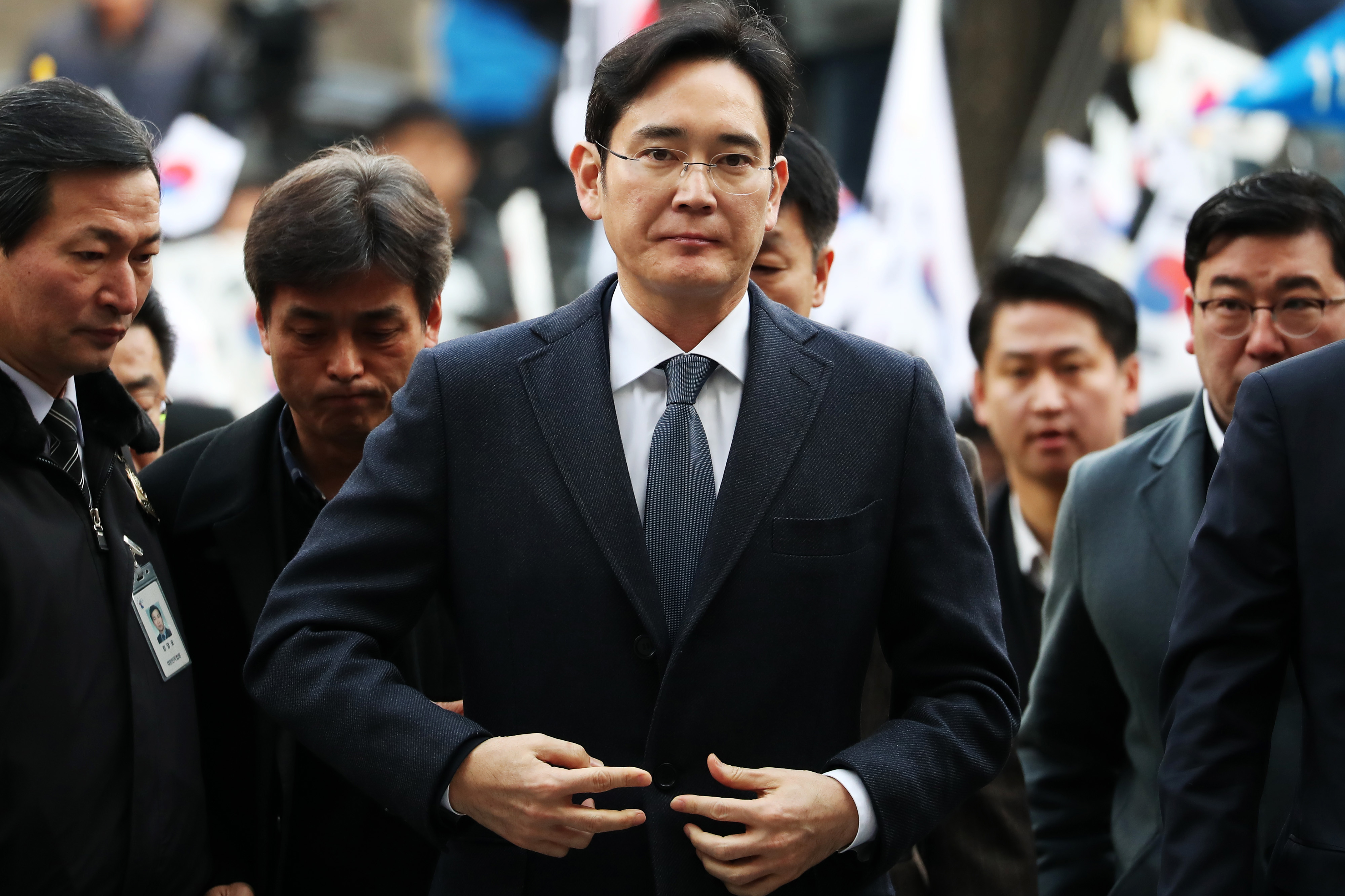 Samsung Vice Chairman Jay Lee is out of jail after his bribery sentence is suspended