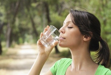 What Is The Water Diet — And The Truth About Why It Makes You Lose So Much Weight