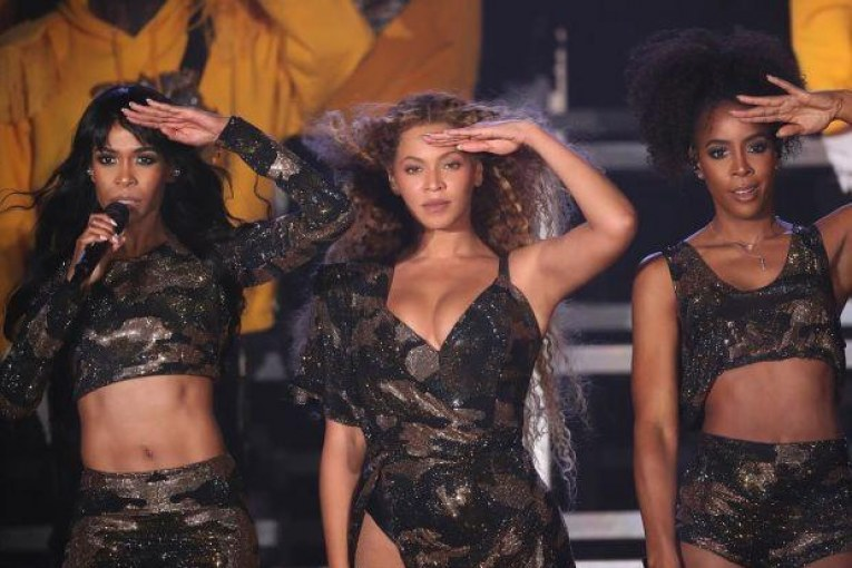 beyonce-outfit-at-coachella-2018-beautyfulmakeover5