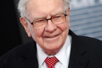 Warren Buffett Says If You Hire People on Intelligence but They Lack This Other Trait, Don't Bother