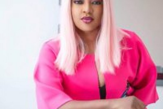 SOTAYO VENTURES INTO NEW BUSINESS, UNVEILS ''CLEAN STITCHES'' AND ''POP IT'' LIPSTICKS