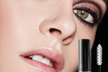 Chanel's New Le Révolution Volume Mascara Has the First-Ever 3D-Printed Wand