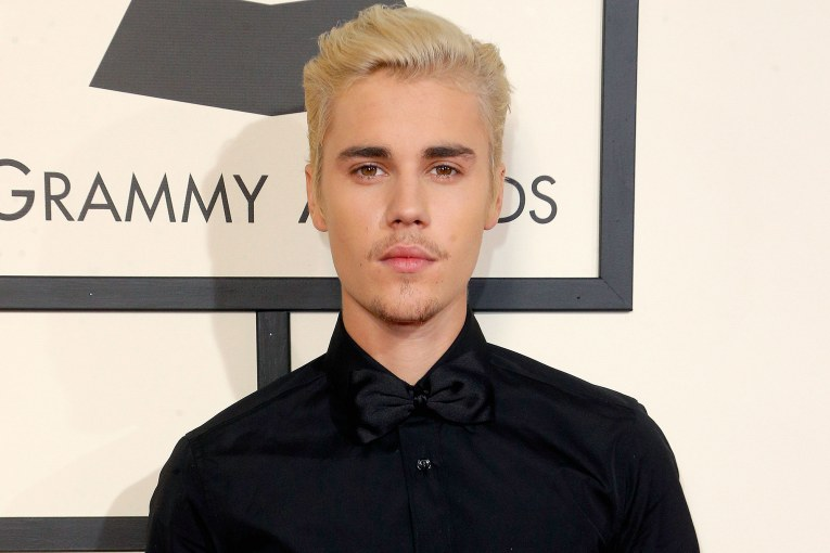 LOS ANGELES, CA - FEBRUARY 15:  Recording artist Justin Bieber attends The 58th GRAMMY Awards at Staples Center on February 15, 2016 in Los Angeles, California.  (Photo by Jeff Vespa/WireImage)