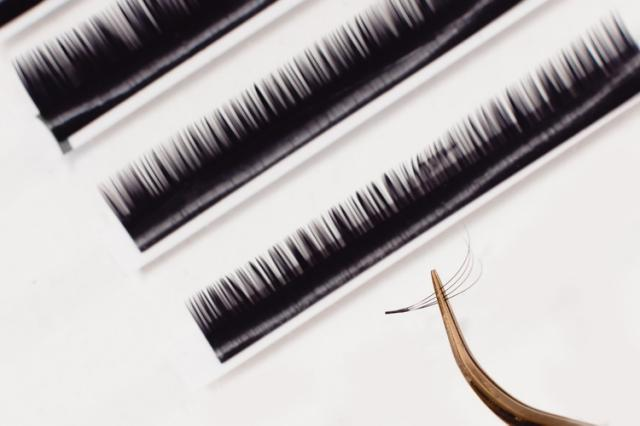 These New Lash Extension Trend might put all other  Products to shame when it comes to giving You Fuller-looking Lashes.