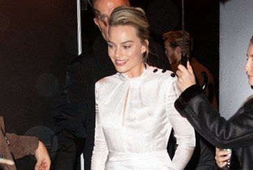 Margot Robbie Has a Practical Antidote to Killer Red Carpet Heels