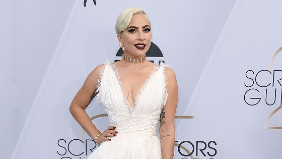 Lady Gaga Steps Out With a Bombshell Leg Reveal at the 2019 SAG Awards