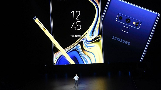Samsung Warns over 'Stagnant' Smartphone Market