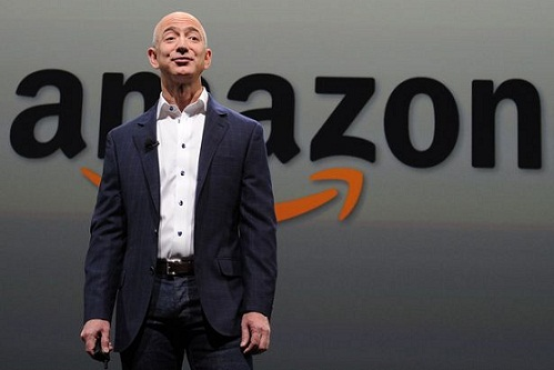 Amazon boss Jeff Bezos claims he was Blackmailed by National Enquirer over 'below the belt selfie'