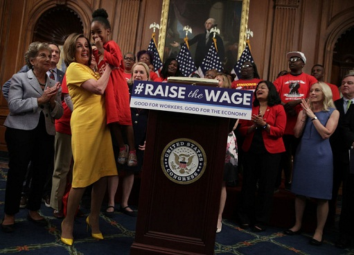 US: House Passes Bill to Hike the Federal Minimum Wage to $15 Per Hour