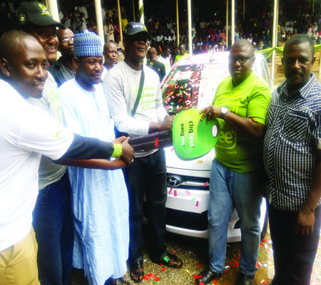 Student wins car at Etisalat Cliqfest