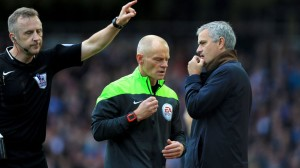 jose-mourinho-chelsea-west-ham-premier-league-referee-jonathan-moss_3368295