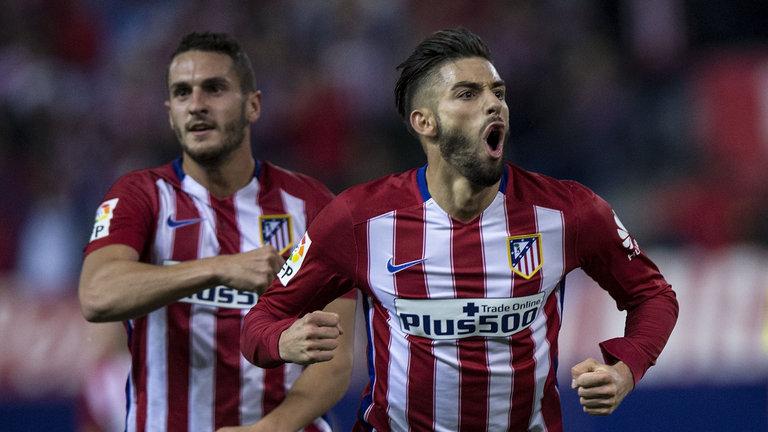 Atletico Madrid beat Valencia after David Moyes' Real Sociedad win