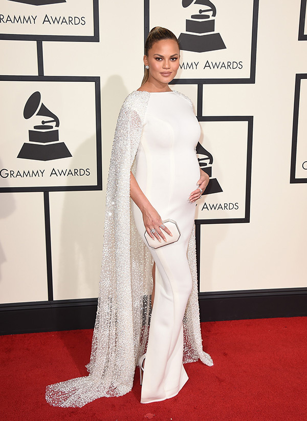 chrissy-teigen-grammys-2016-grammy-awards