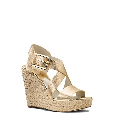 gold-wedge-sandal-acadaextra