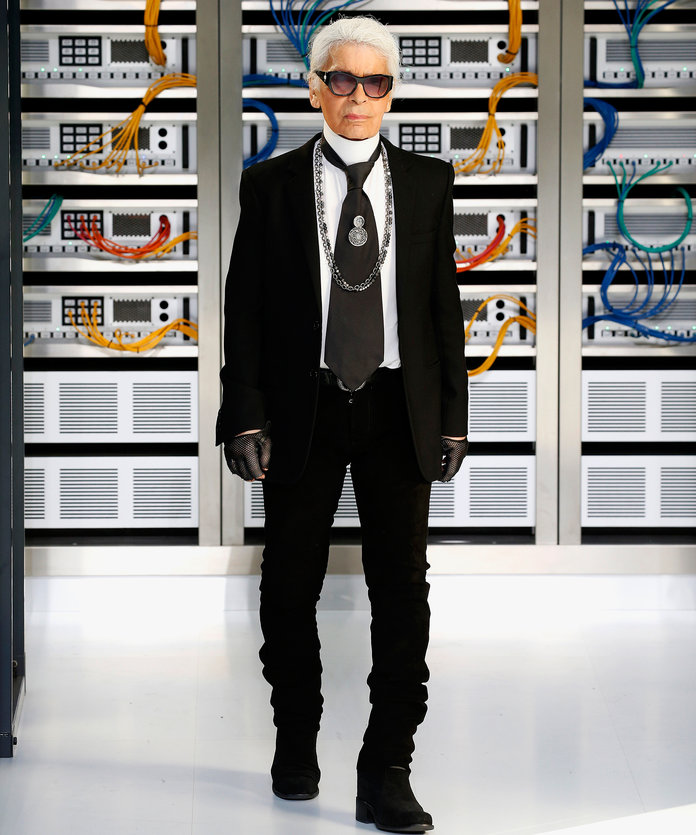 PARIS, FRANCE - OCTOBER 4: Designer Karl Lagerfeld walks the runway during the Chanel designed by Karl Lagerfeld show as part of the Paris Fashion Week Womenswear Spring/Summer 2017 on October 4, 2016 in Paris, France. (Photo by Estrop/Getty Images)
