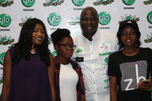 (L-R) Joint winner, Damilola Ajetomobi, runner-up, Joy Ozor, Nollywood Actor, Bolaji Amusan and joint winner, Gbemisola Akhigbe after a dance competition for women at the Abeokuta edition of the ongoing comedy show, Glo Laffta Fest on Sunday.