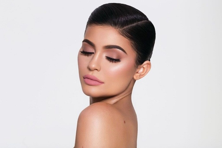 Kylie Jenner Exclusively Reveals the Inspiration Behind Her Topshop Holiday Lip Kits