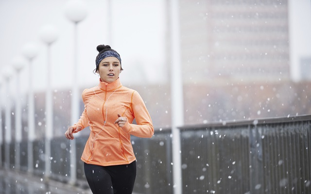 Protect Your Skin With This Dermatologist's Advice When Working Out in the Cold