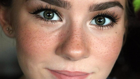 Freckle Tattoos Are the New Beauty Trend