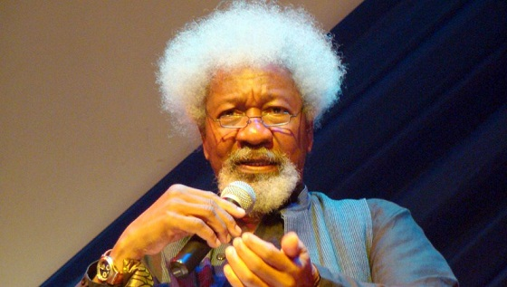 Election 2019: Soyinka attacks ex-President for supporting 'a devil'