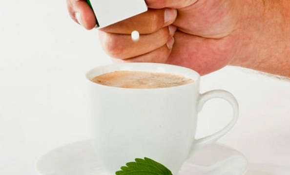 People who Eat Artificial Sweeteners 'Weigh more than Sugar Consumers'