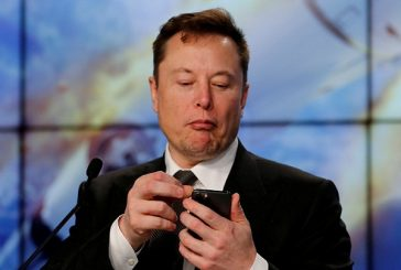 Tesla investor sues Elon Musk for causing problems with his Tweets
